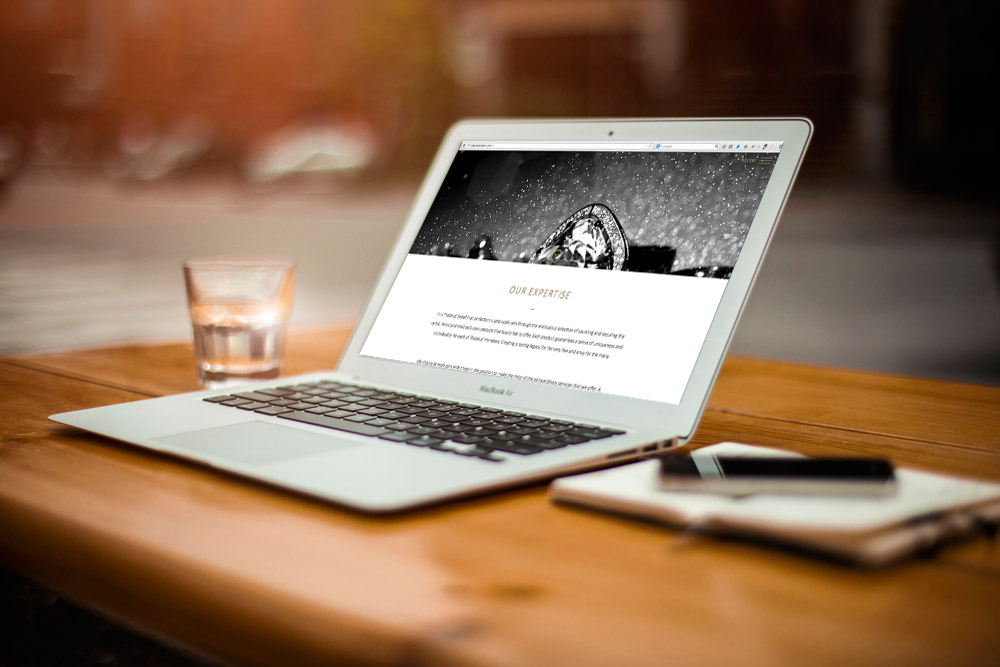 Web design of luxury private member 39 s club in london for Web page table design
